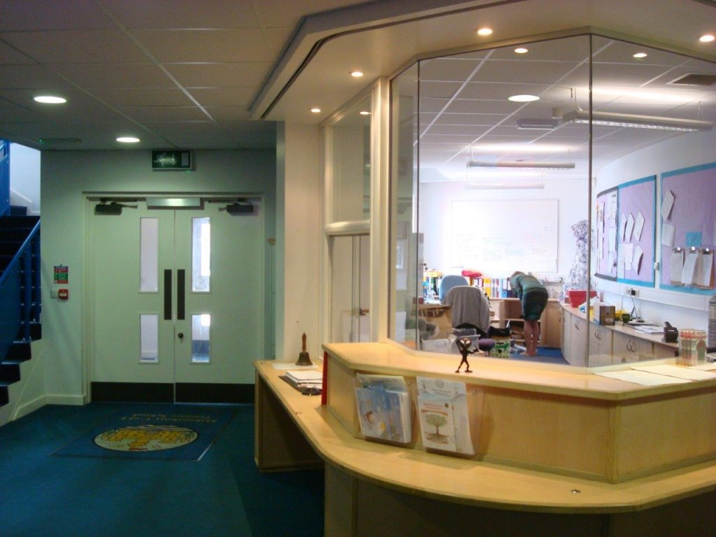 Silicon jointed glass partitioning