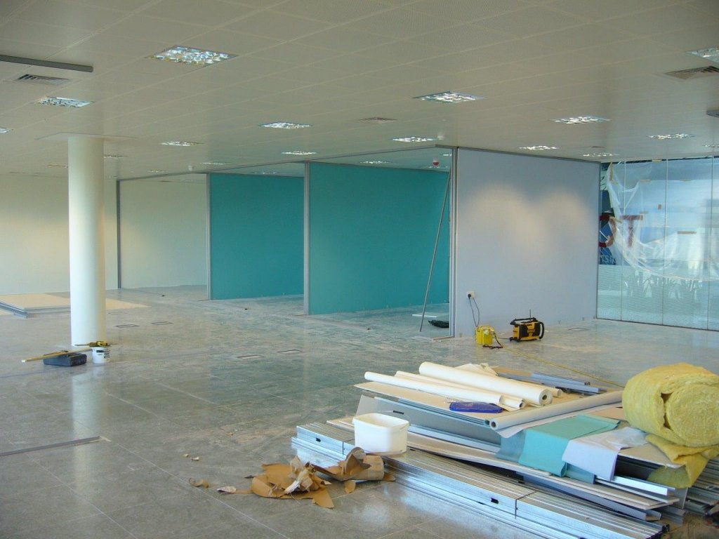 Muraspec wall papering for offices