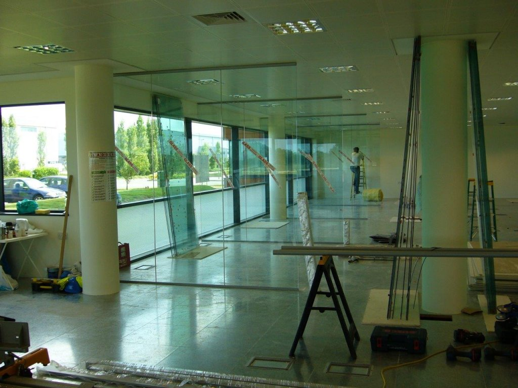 Glass wall partitioning