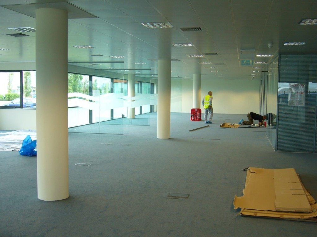 Open space office partitioning