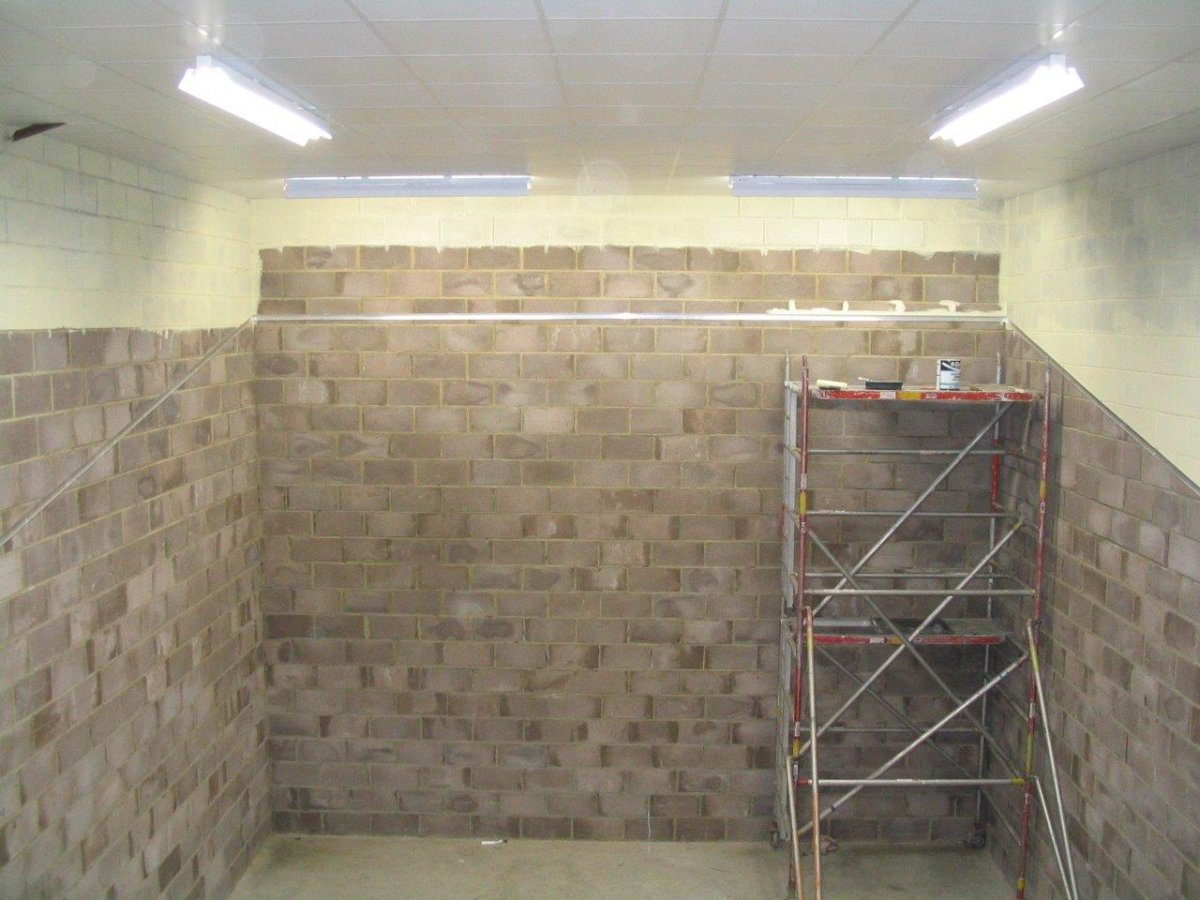 DJ Kelly Homes ceiling