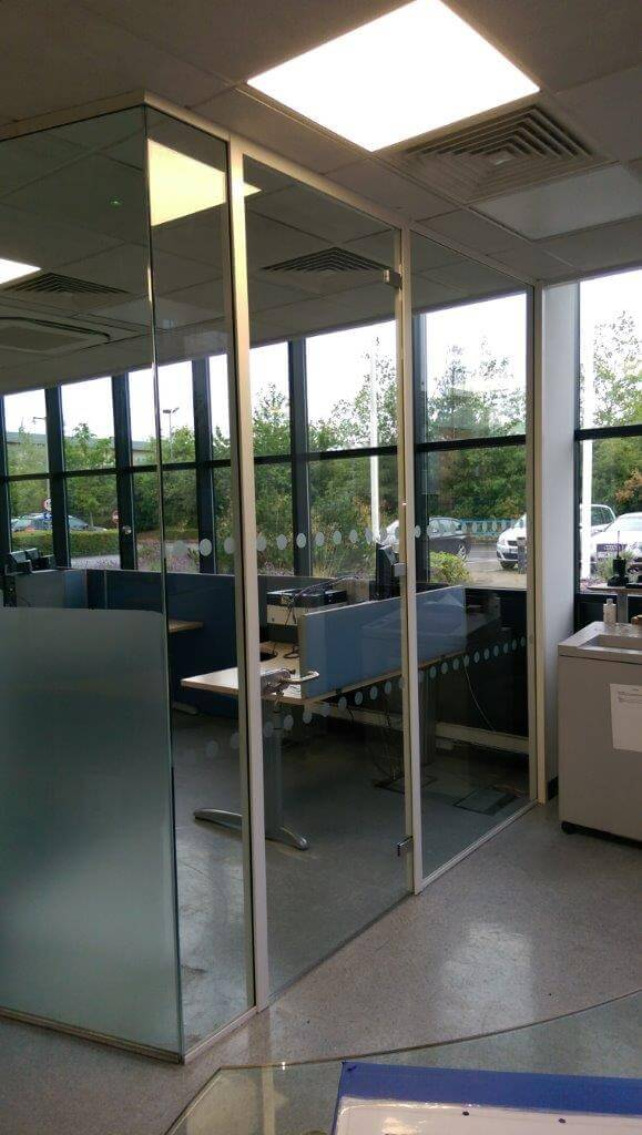 Glass partition for Johnson Matthey Fuel Cells Swindon